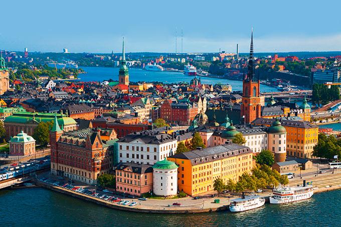 Nordische Städte im Sommer