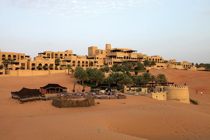 Anantara Qasr Al Sarab Desert Resort in der Wüste Rub al Khali