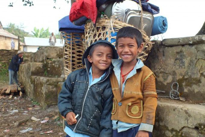 Kinder aus den abgelegenen Dörfern