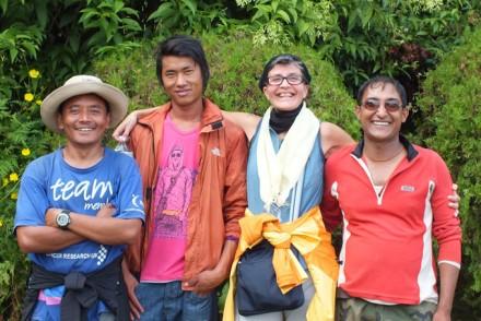 Mit neuen Freunden nahe dem Himalaya
