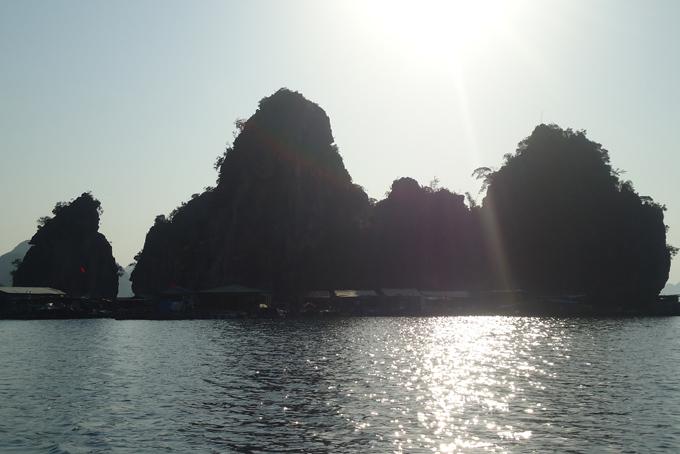 Die Halong Bucht. UNESCO-Weltnaturerbe in Vietnam