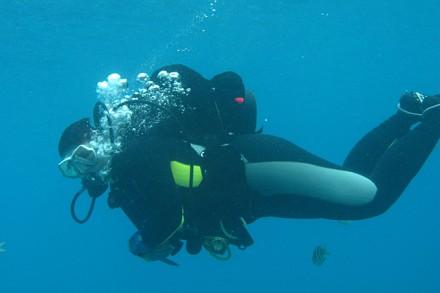 Doris Durrer beim Tauchen auf Bonaire