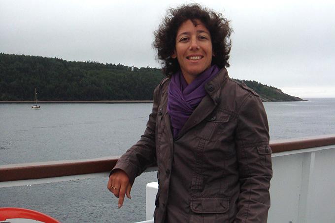 Valérie Herren sur le bateau pour l'observation des baleines à Tadoussac