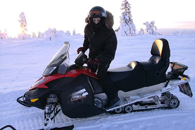 Der Motorschlitten - unser Transportmittel zu den Huskies