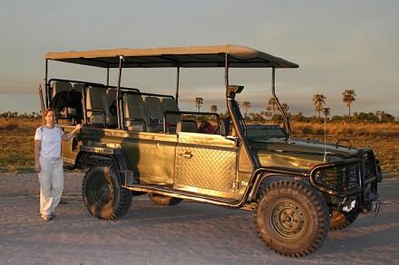 vor dem Jeep
