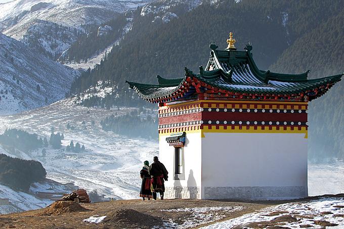 Tibet – eingebettet in die gewaltigsten Gebirgsketten der Erde