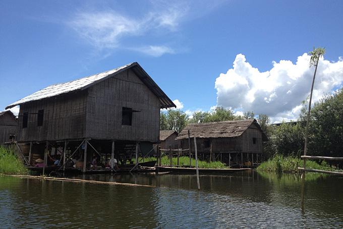 Wohnhäuser am Inle See