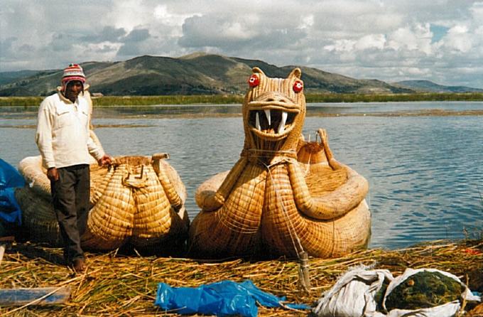 Los Uros sur le lac Titicaca