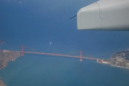 Anflug auf San Francisco mit Golden Gate-Bridge