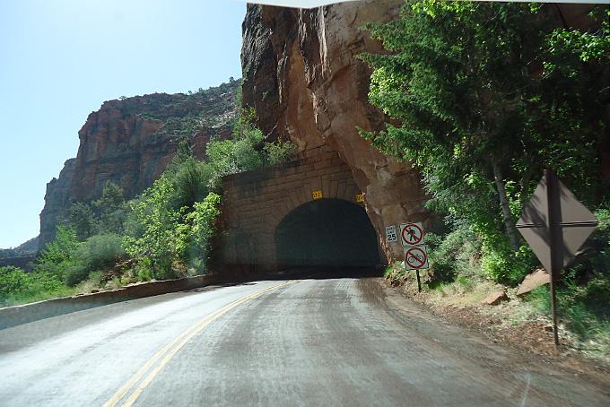 Tunnel auf dem Pass im Zion NP