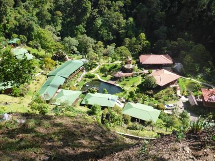 Blick auf die Trogon-Lodge
