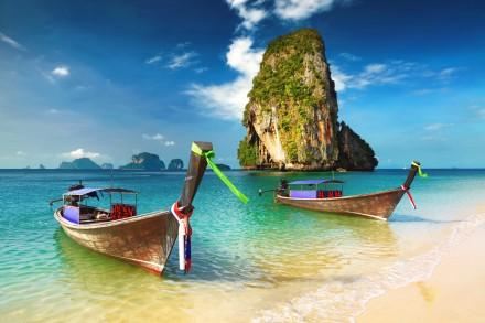 Longtail-Boote in Krabi