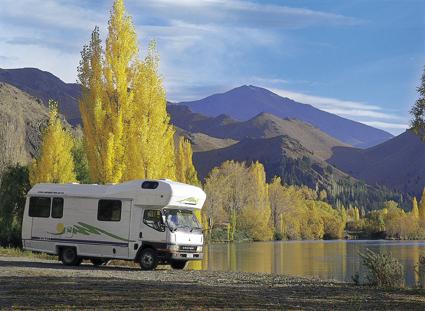An vorderster Front an einem idyllischen See übernachten - mit einem Motorhome ist das möglich.