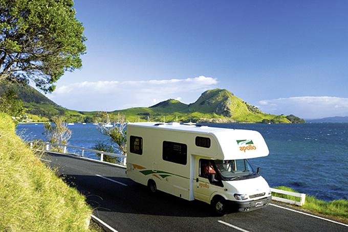 Erleben Sie die Landschaft Neuseelands entlang der Küste
