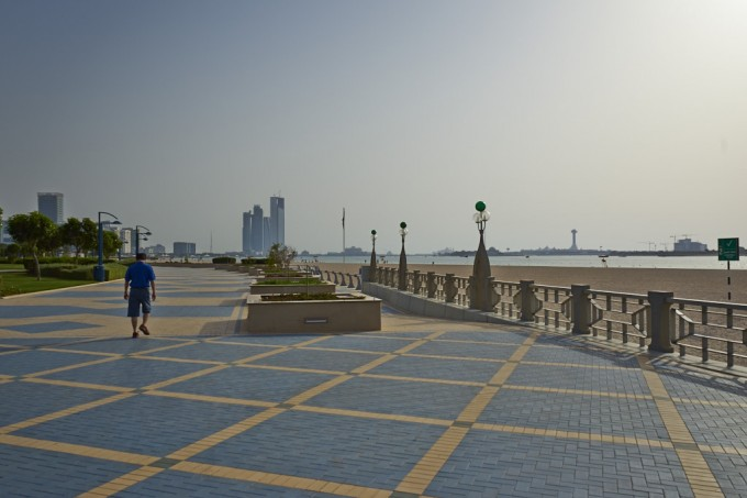 An der Corniche Road in Abu Dhabi