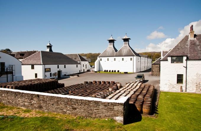 Ardbeg Destillerie auf der Insel Islay