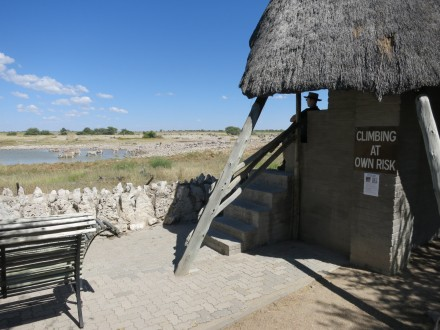 Etosha Nationalpark Camp Okaukuejo. Wasserloch