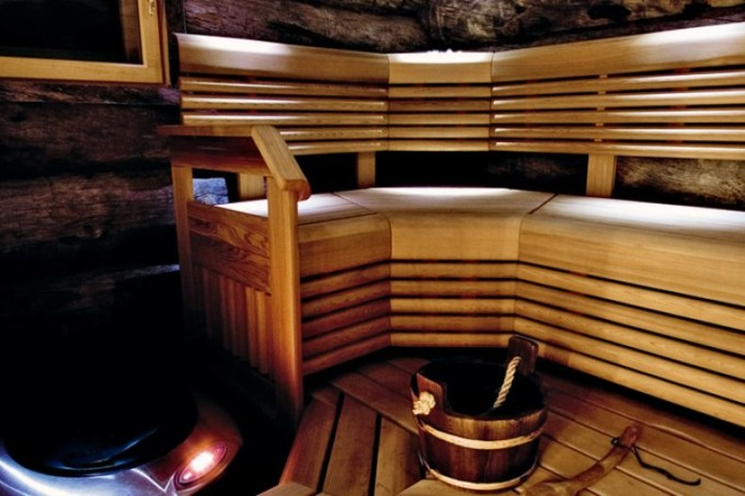 Entspannende Momente in der Sauna, Lappland