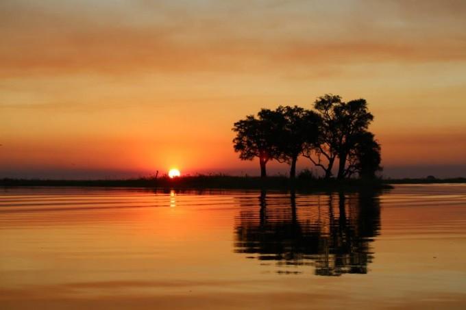 Traumhafter Sonnenuntergang in Botswana