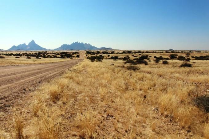 Spitzkoppe besitzt eine aussergewöhnliche Landschaft mit vielen Felsformationen