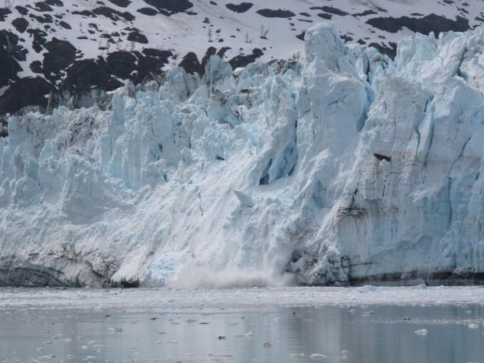 Kalbender Gletscher im Glacier Bay Nationalpark