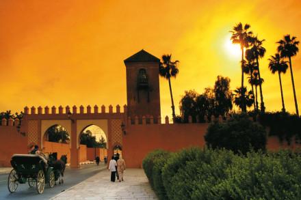 Ein magischer Sonnenuntergang in Marrakesch, Marokko