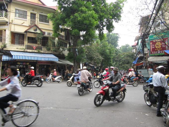 Eine typische Strassenkreuzung in Hanoi