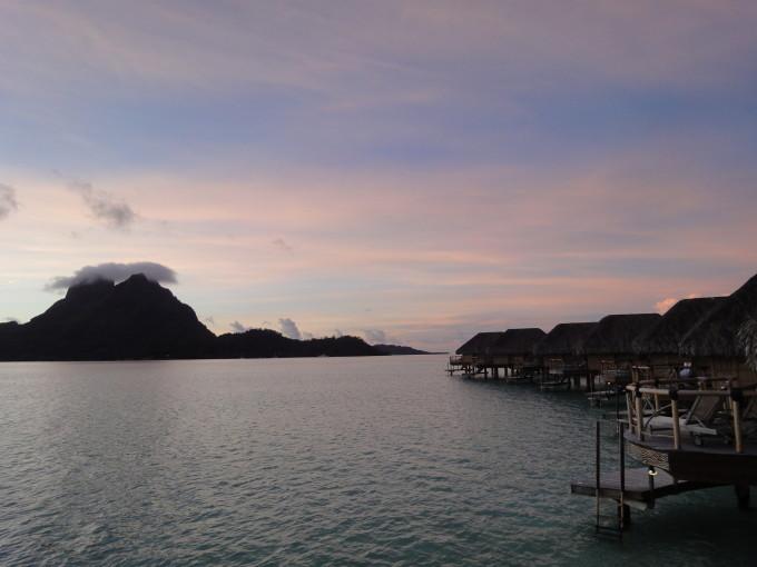 Sonnenaufgang auf Bora Bora