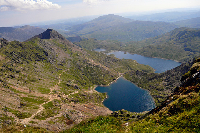 Aussicht On Top of Mount Snowdon / Copyright: Hefin Owen @ flickr