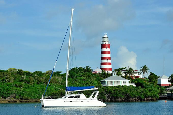 Leuchtturm im Hafen von Hope Town, Abacos