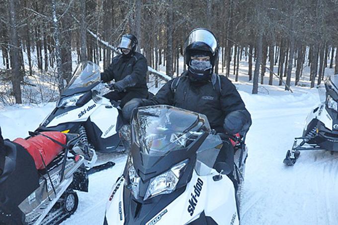 Un petit tour de motoneige au Québec
