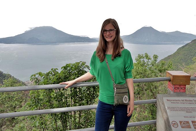 Lea Baumgartner am Atitlan See