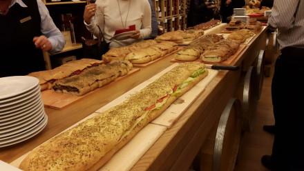 zwischen 6 verschiedene Sorten Focaccia Sandwiches konnten die Gäste auswählen.