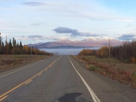 Landschaft auf dem Weg nach Haines Junction