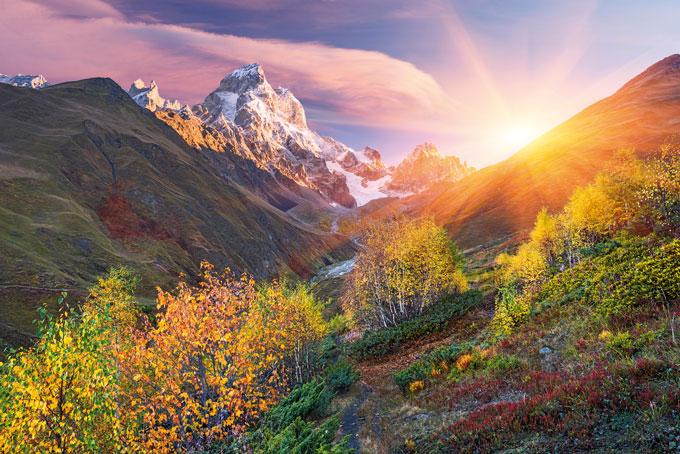 Berg Uschba (4737 m.ü.M.)