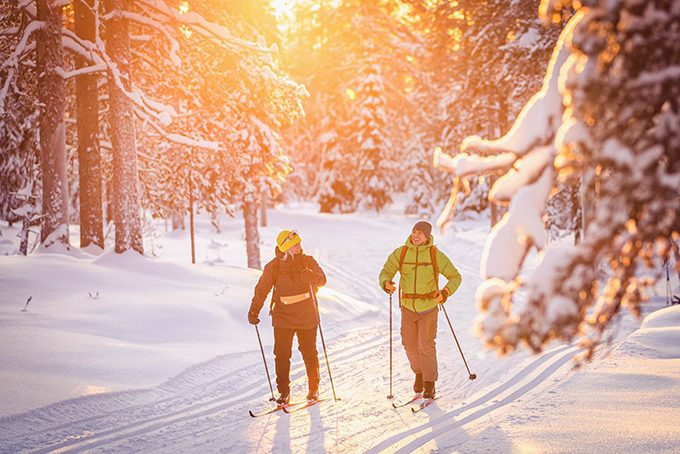 Langlaufen inmitten eines Wintermärchens