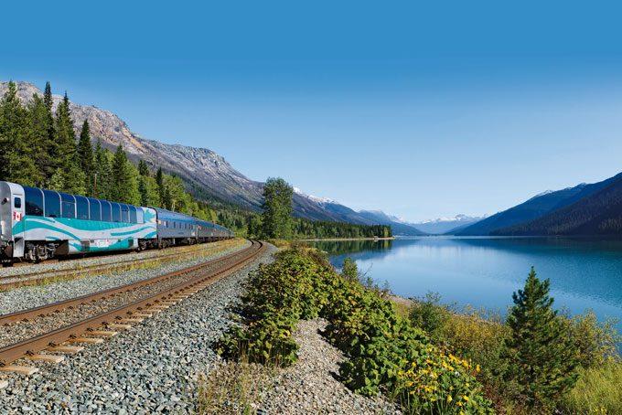 par train dans l'ouest du canada