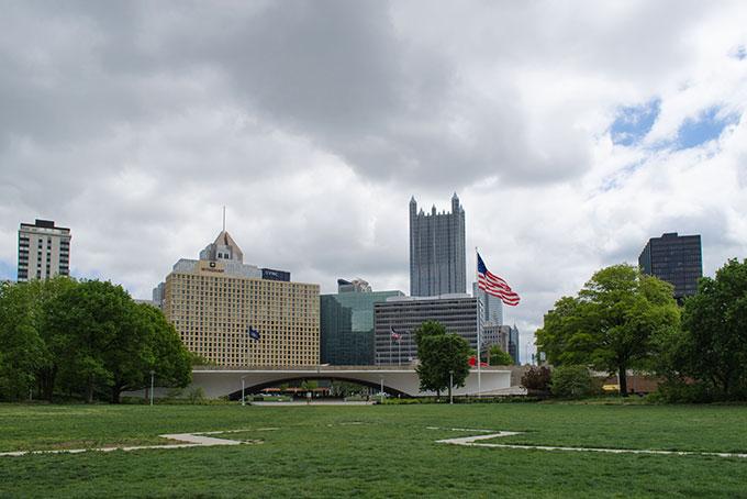 Blick auf Downtown aus dem Point State Park