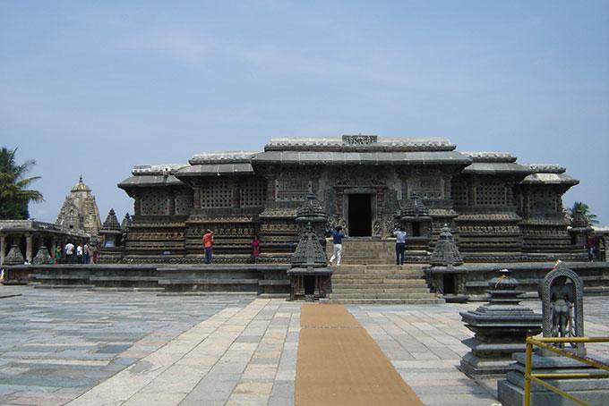 Hauptschrein des Chennakeshava-Tempels