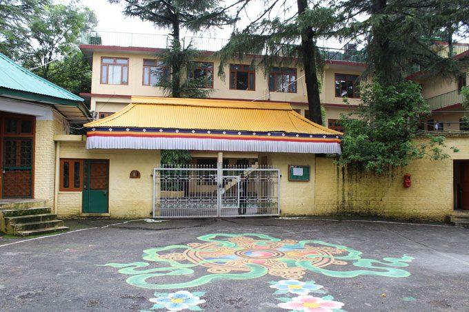 Dharamsala Wohnsitz des Dalai Lamas von aussen