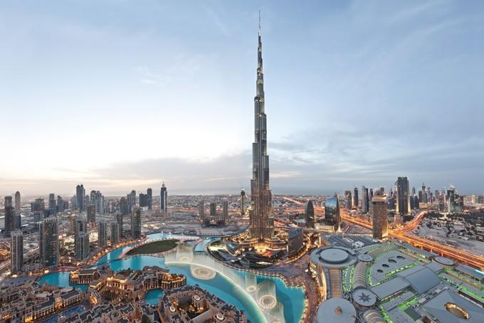 Légende photo Dubaï Downtown avec le Burj Khalifa