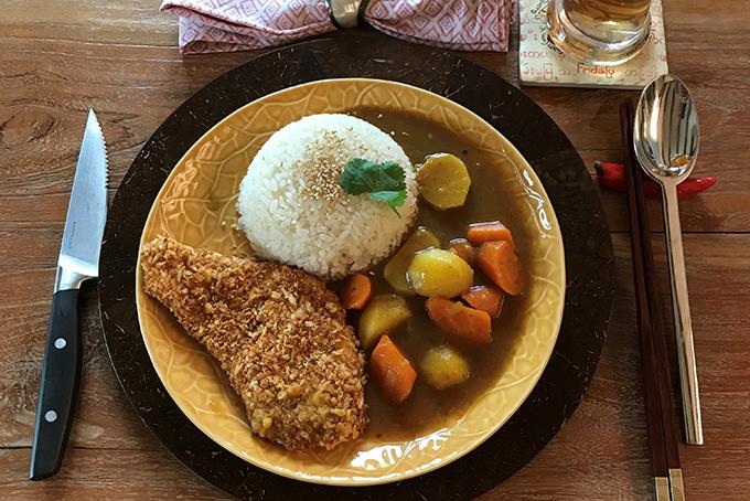 Kulinarisch um die Welt: Chicken Katsu Curry – Japanisches Curry mit Pouletschnitzel