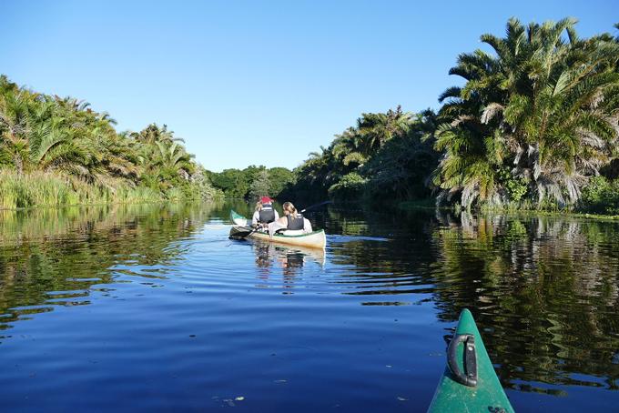 Kanu fahrt zur Kosi-Mündung