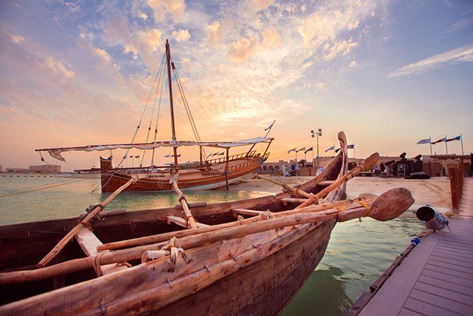 Boutres dans la baie de Doha