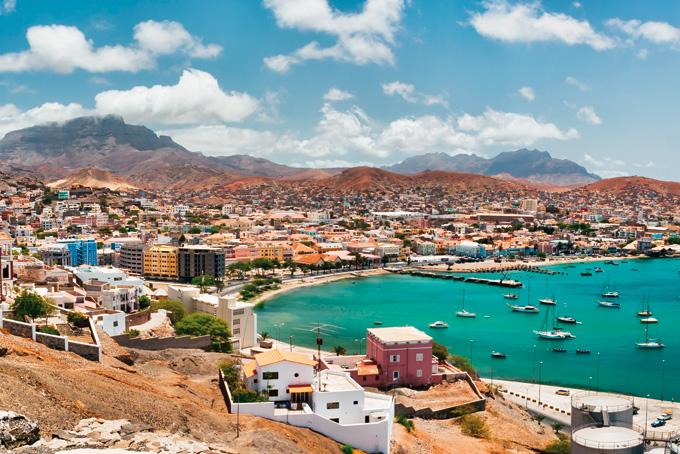 Aussicht auf den Hafen und das Städtchen Mindelo