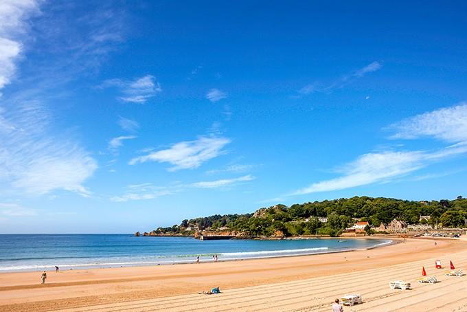 Die St. Brelade's Bay mit einem der schönsten Strände Europas