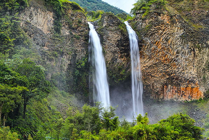 Wasserfall «Pailón del Diablo»