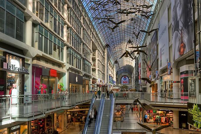 Ein Einkaufsparadies: Das Eaton Centre (Copyright: Michael Caven @ flickr)
