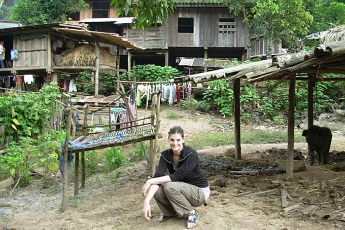 Evelyn zu Besuch bei den Bergstämmen in Thailand