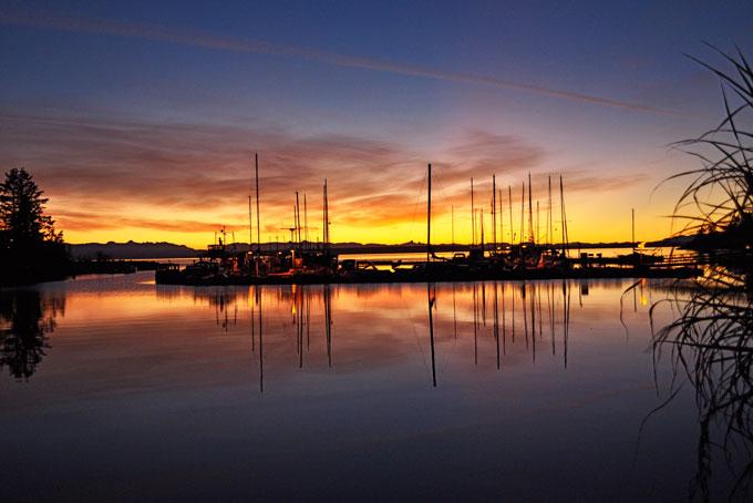 Der Hafen von Lund bei Sonnenuntergang